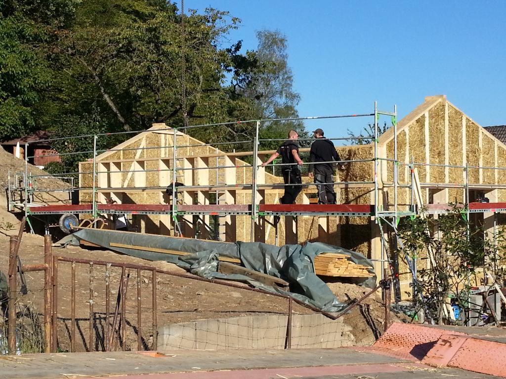 Jetzt kann das Dach gebaut werden